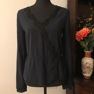 ABERCROMBIE AND FITCH LACE TRIM BLOUSE